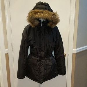 Women's Totes coat with detachable hood. Size med.